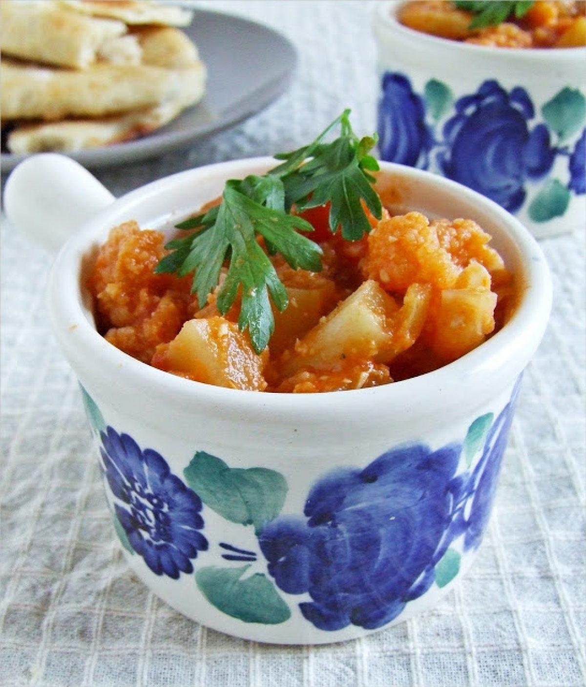 Sezonowe curry i chlebki naan