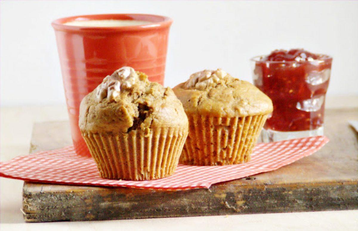 Razowe muffinki z suszonymi owocami słodzone melasą (bez cukru)