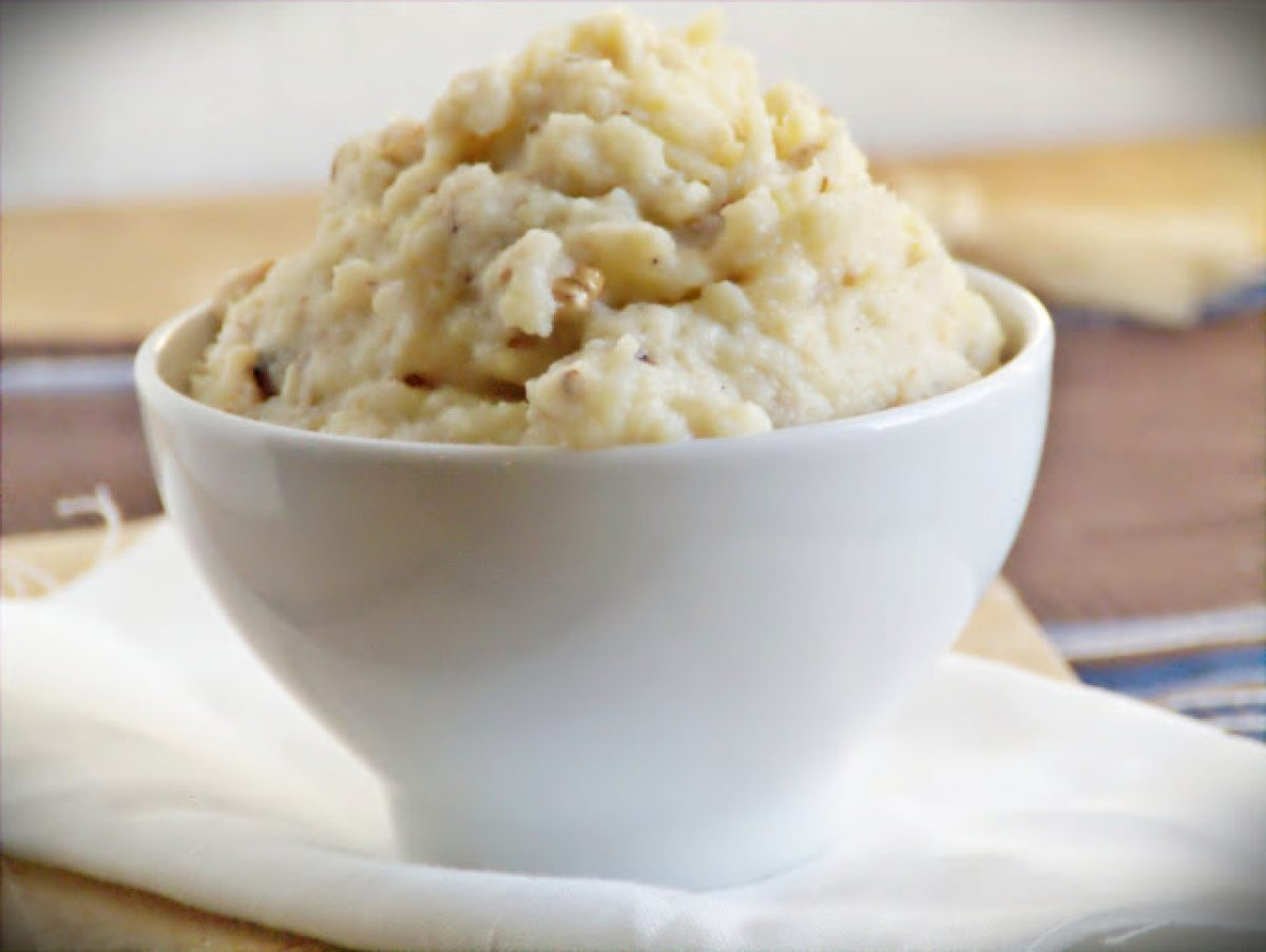 Puree z selera, ziemniaków i gruszek z orzechami