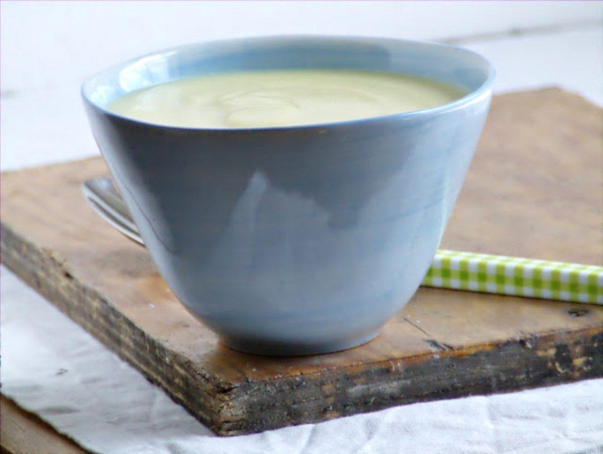 Krem z kalarepy z mlekiem kokosowym