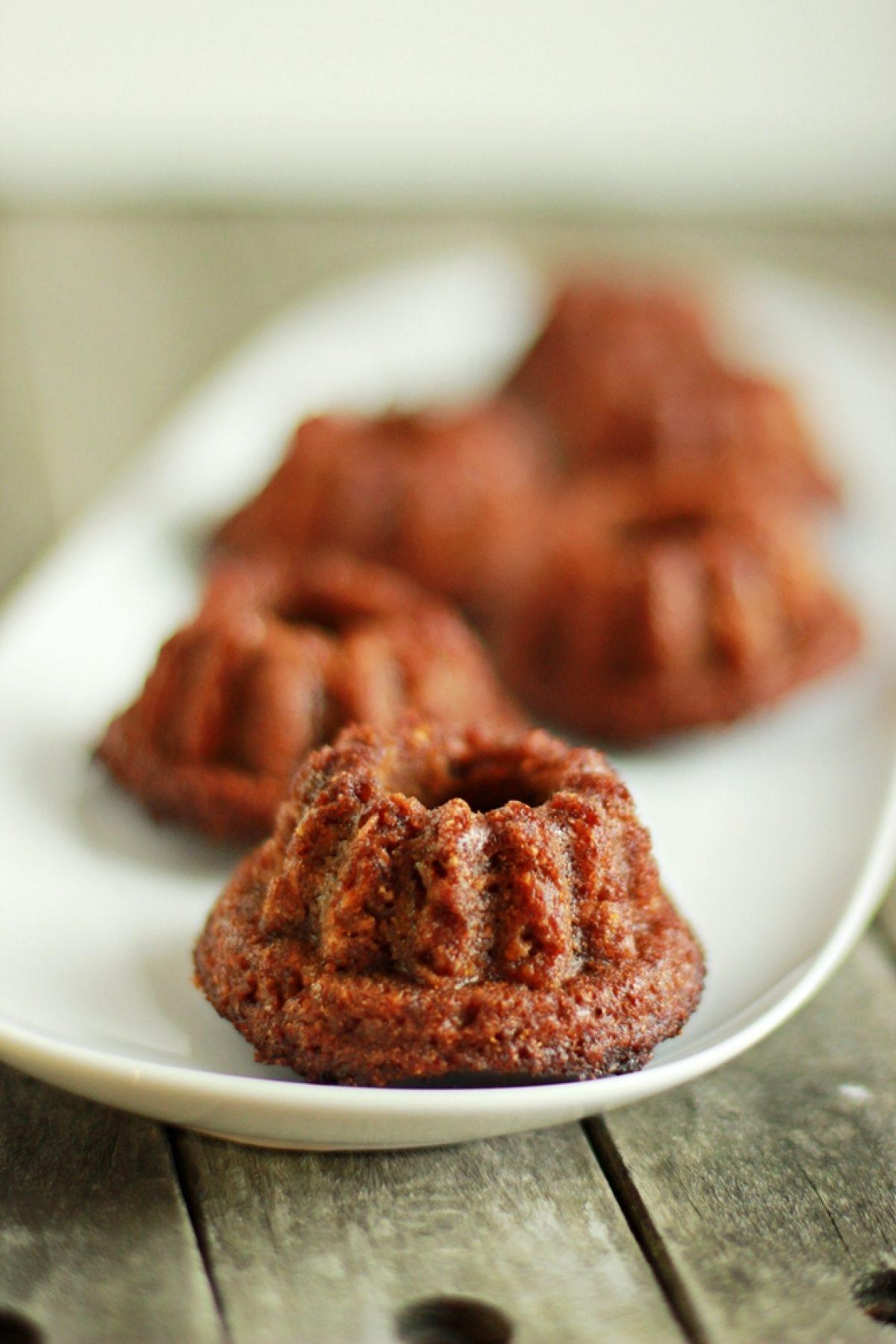 Babka marchewkowa z suszonymi figami (bez cukru)