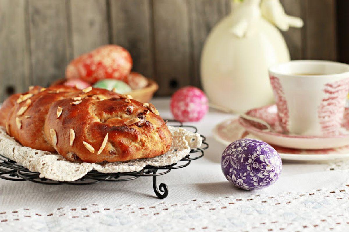 Wielkanocny warkocz z marcepanem