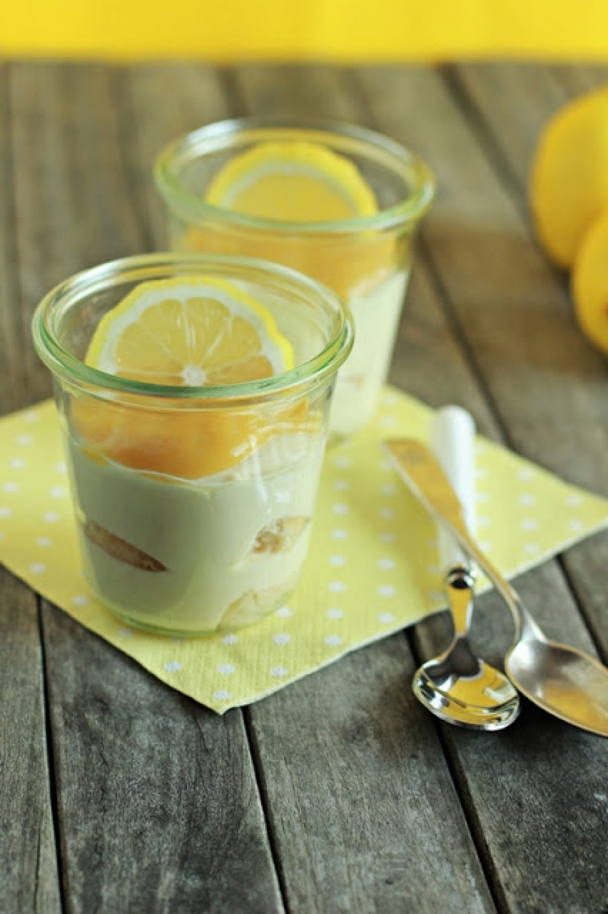 Lekkie cytrynowe tiramisu (bez surowych jajek)