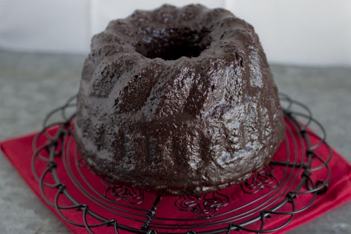 Raz, dwa, trzy baba czekoladowa patrzy! :) Razowa i bez cukru!