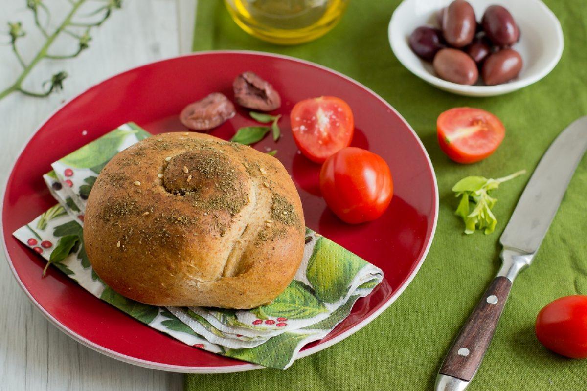 Nadziewane greckie bułeczki – Wypiekanie na śniadanie
