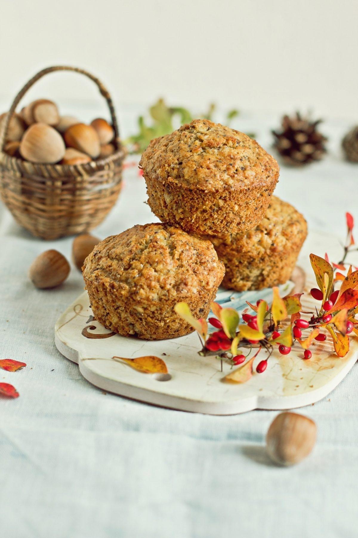 Słodkie muffinki z pietruszką, makiem i orzechami (bezglutenowe)