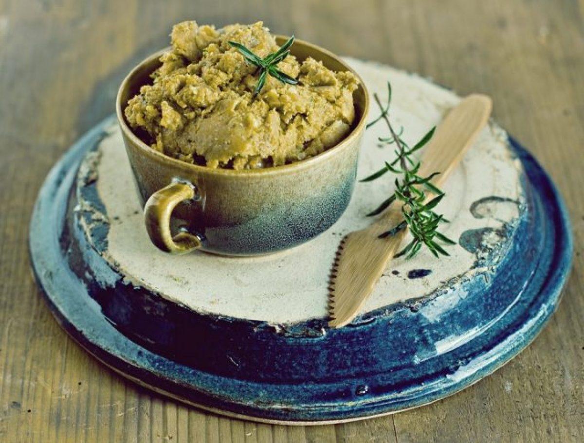 Pasta z soczewicy i warzyw korzeniowych z cząbrem (wegańska, bezglutenowa)