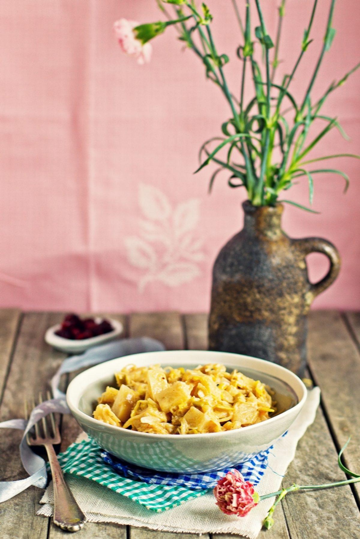 Gulasz z selera i kapusty kiszonej (wegański)