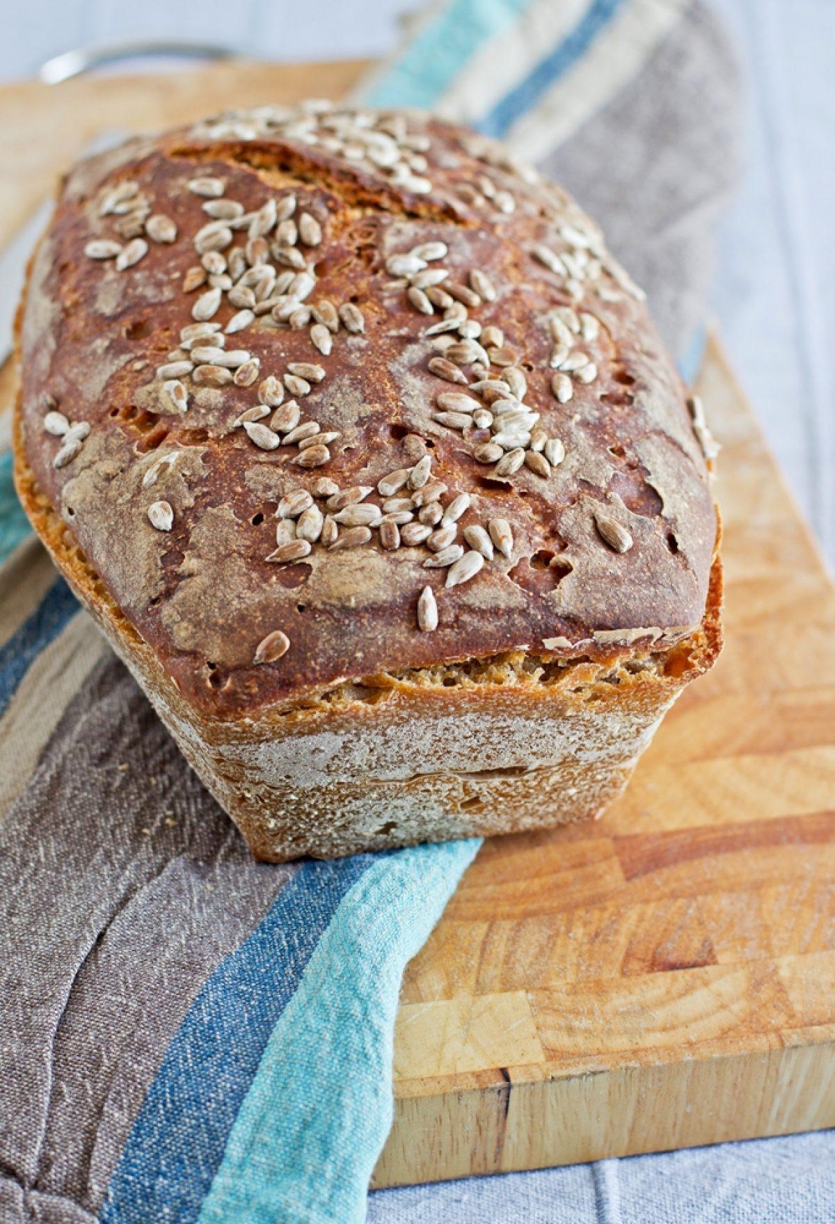 Prosty chleb na zakwasie i pyszny pasztet z soczewicy oraz zapowiedź konkursu Wygraj Vitamixa! :)