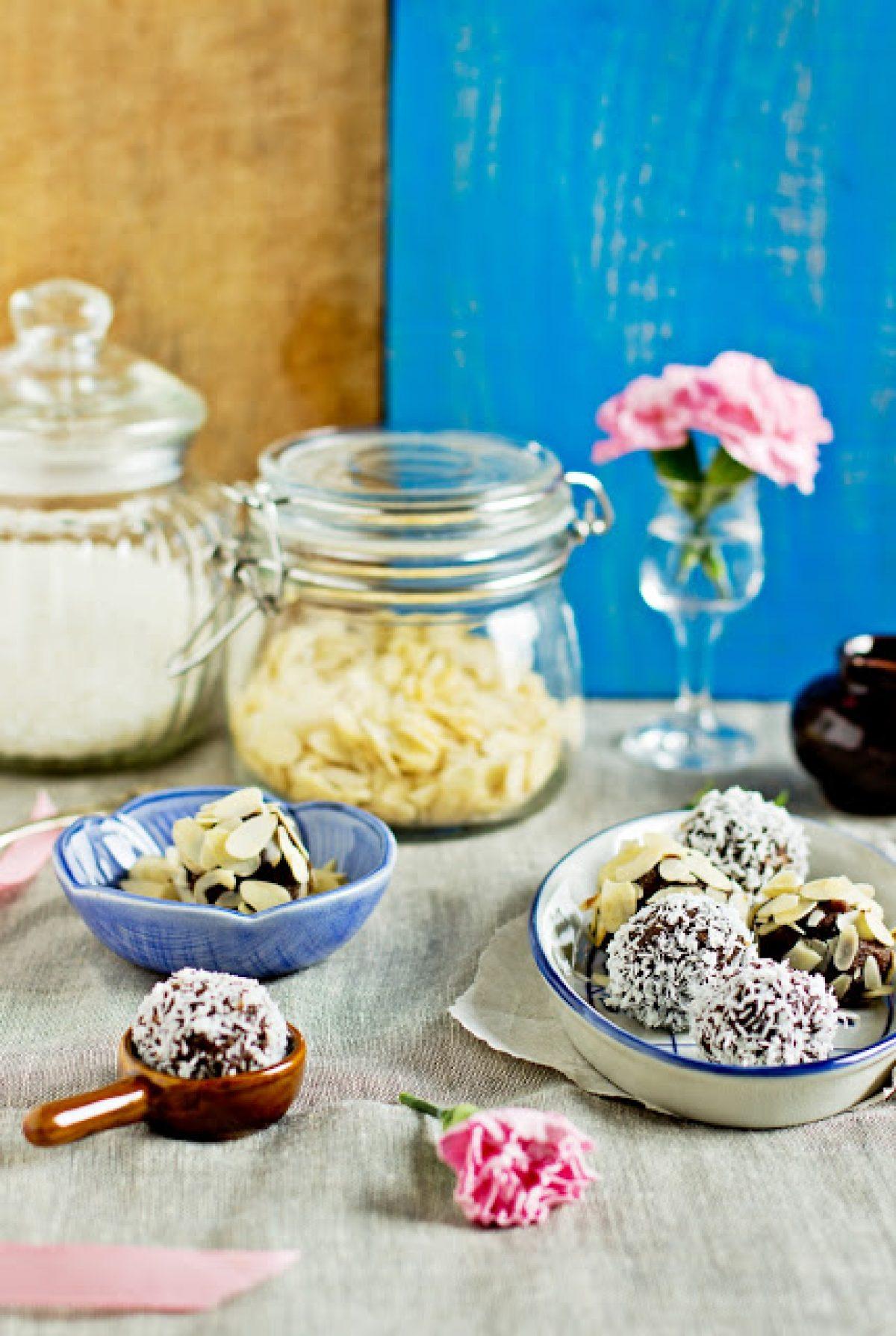 Chałwowe trufelki bez glutenu, cukru i tłuszczu – Zielenina dla Vitamixa :)
