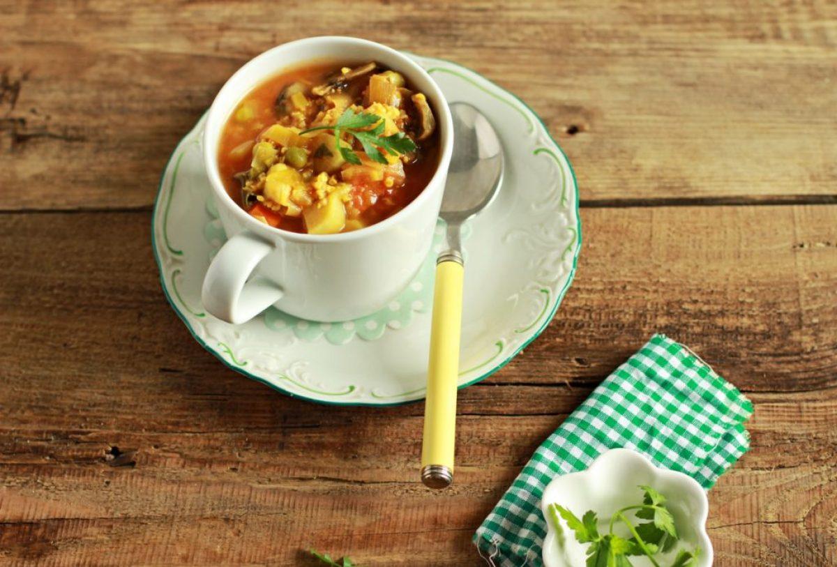 Wiosenna zupa ze szparagami, szpinakiem, kaszą jaglaną i nie tylko!