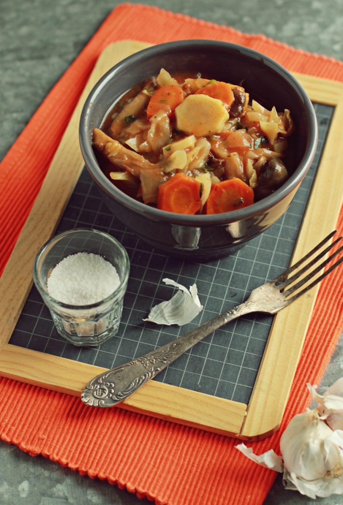 Potrawka warzywna z boczniakami