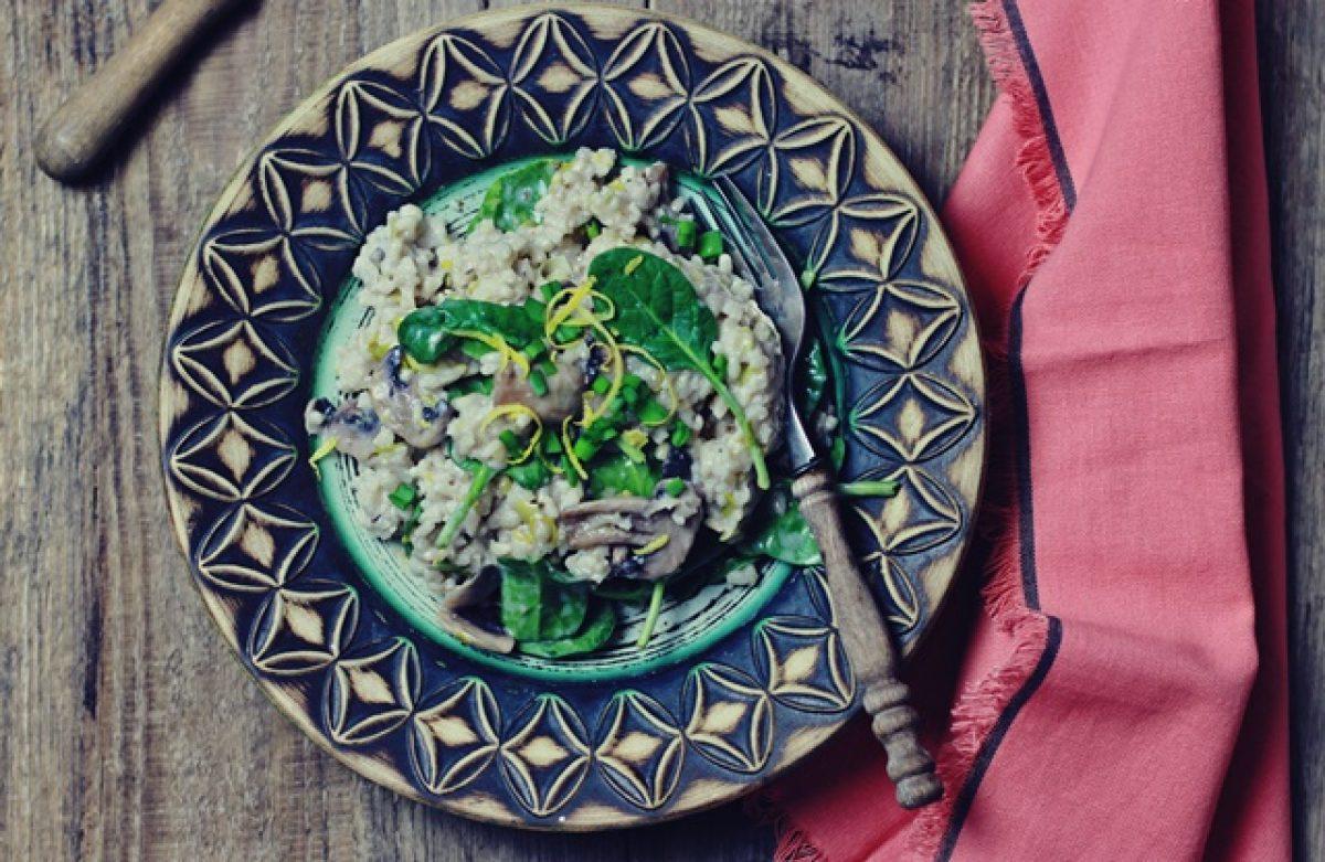 Obiad w 15 minut – risotto z porem, pieczarkami i szpinakiem