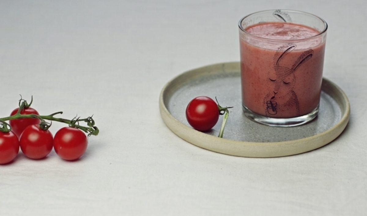 Koktajl truskawkowy z pomidorem. Zielenina dla niejadka.