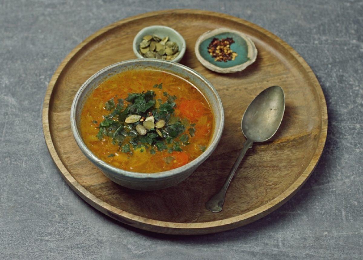 Zupa na wzmocnienie odporności. Z kaszą jaglaną i kiszoną kapustą.